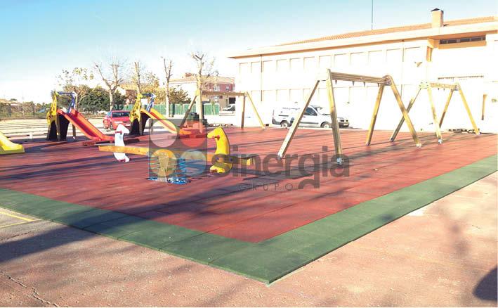 Especialistas en colocación de losetas de caucho para parques infantiles